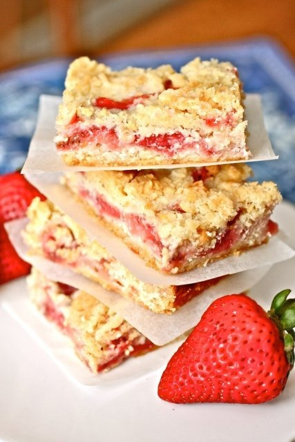 Strawberrycrumbbars